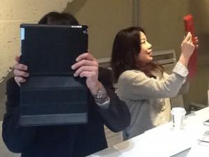 iPad教室の一番始めは写真を撮るからはじます。