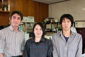 左から、高久専務、古木さん、今井副工場長