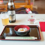 ビールと一つ目の名物の胡麻豆腐